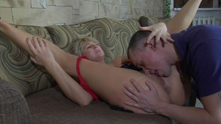 guys for matures bridget gets her sloppy pussy licked