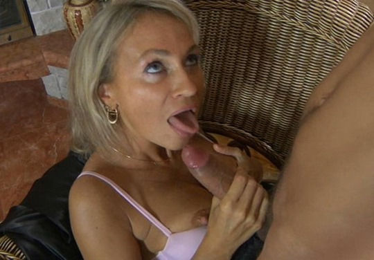 cock swallowing babe